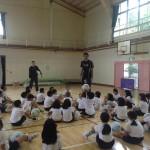子どもの体力向上プロジェクトの第2節「アスリートが授業参加」NECブルーロケッツ